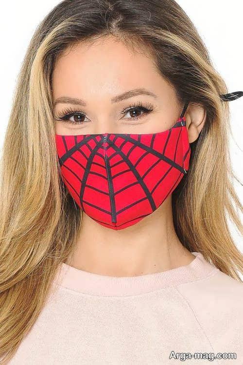 آرایش صورت برای ماسک قرمز
