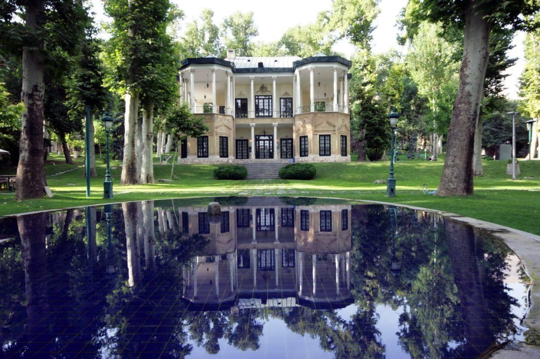 بازدید از کاخ نیاوران در تهران