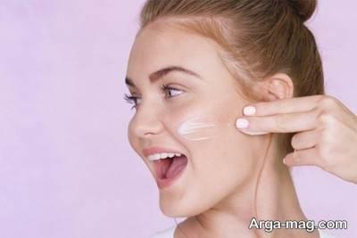 از محصولات ضد پیری برای پیشگیری از پیری پوست خود استفاده کنید.