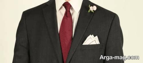 کراوات زرشکی برای کت و شلوار مشکی
