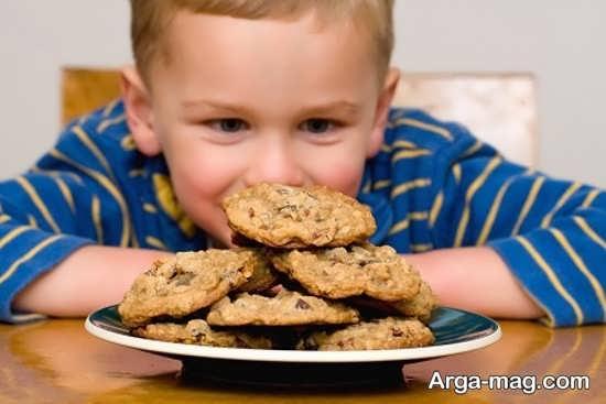 عوارض خوردن بیسکویت برای بچه ها