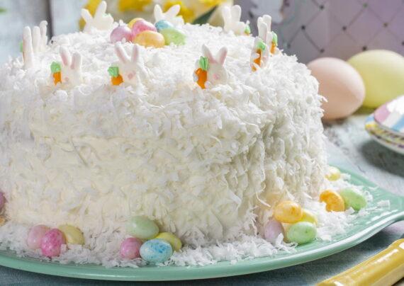 تزیین کیک با پودر نارگیل