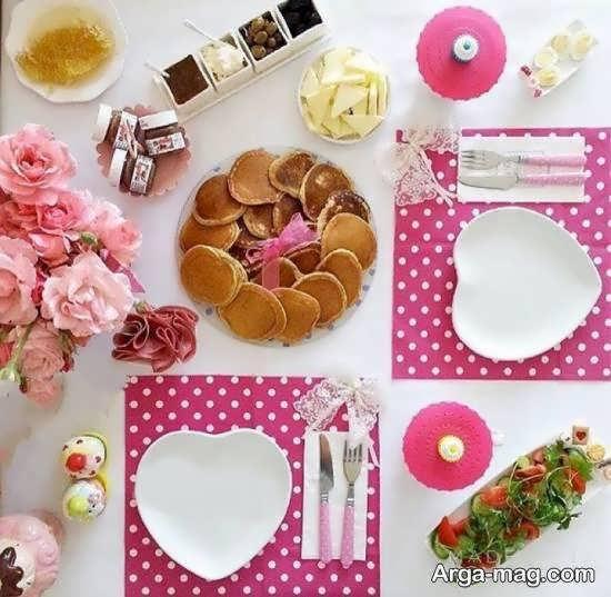 تزیین میز عصرانه با خوراکی سبک و ساده