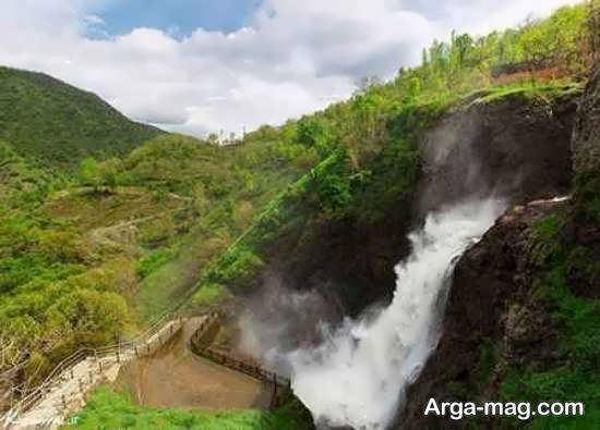 آبشار سوله دوکل دارای چشم اندازی زیبا