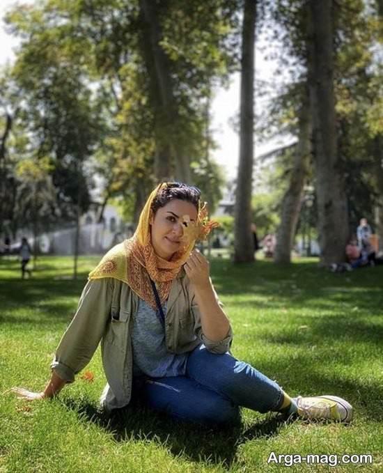 ژست زیبا بازیگر ایرانی در پارک