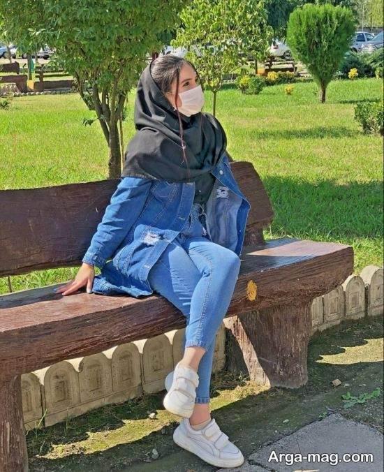 ژست جالب دخترانه در پارک
