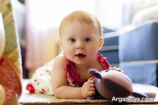 زمان غلت زدن نوزاد