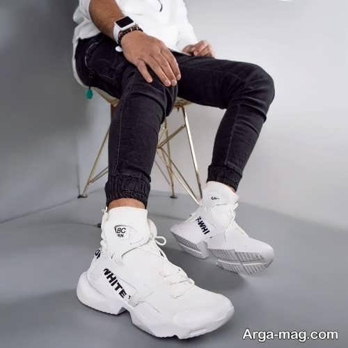 ست لباس مردانه با کفش سفید