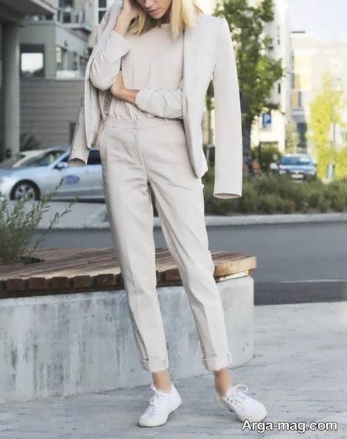 ست لباس ساده با کفش سفید