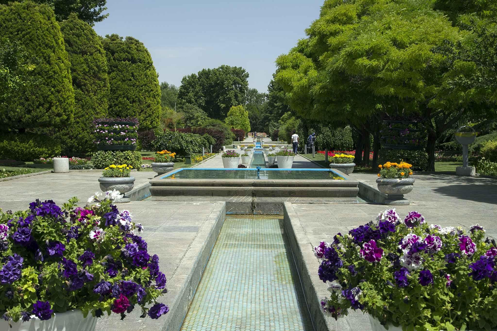 آشنایی با باغ گل های اصفهان