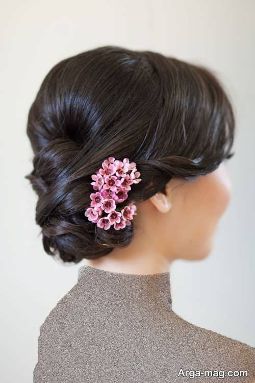 مدل شینیون بسته با گل طبیعی