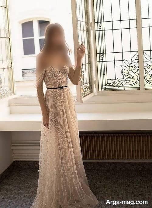 پیراهن عروس کرمی یقه باز