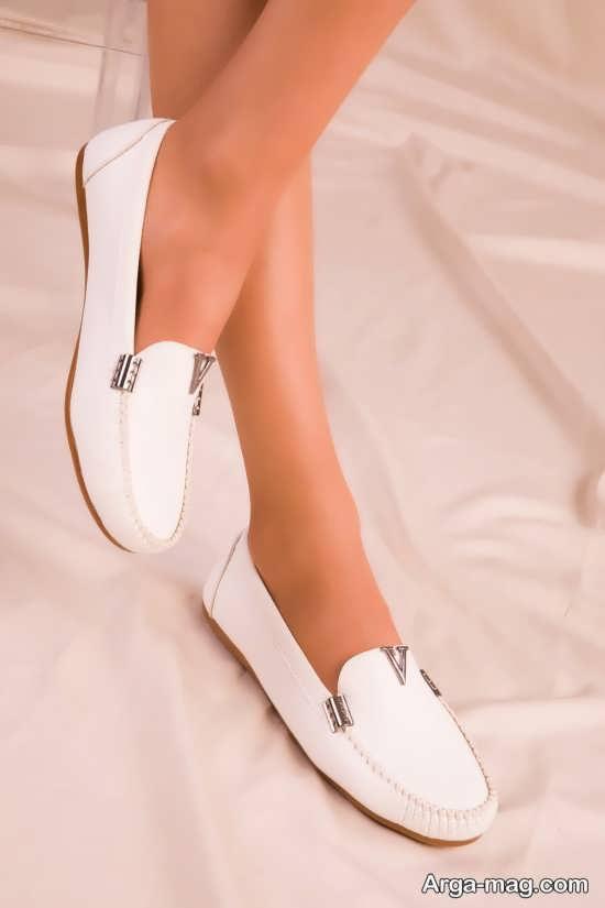 کفش راحتی سفید رنگ