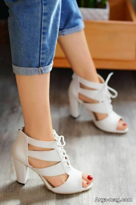 مدل کفش سفید دخترانه پاشنه دار