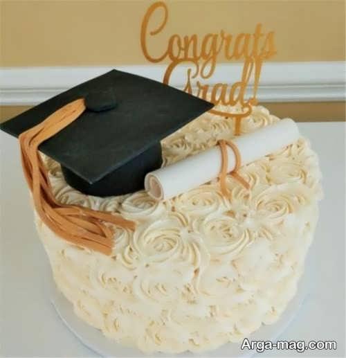 تزیین کیک فارغ التحصیلی با خامه