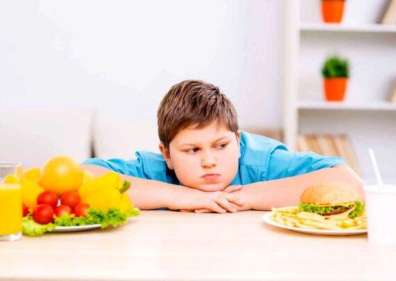 علل و علائم اضافه وزن در نوجوانی