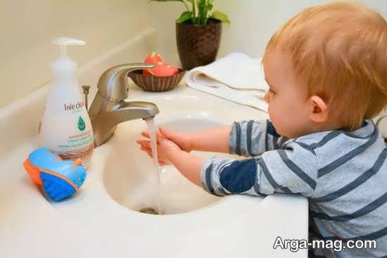 آموزش شستن دست ها به کودکان