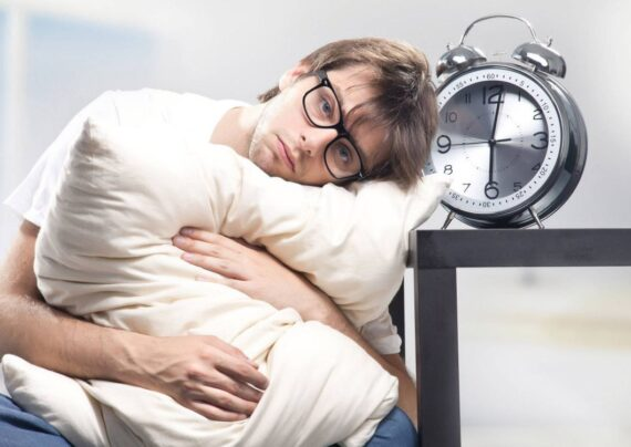 علائم عوارض دیر خوابیدن