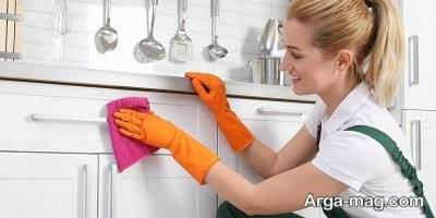 سرکه و لیمو بهترین راه تمیز کردن چربی های کابینت می باشد.