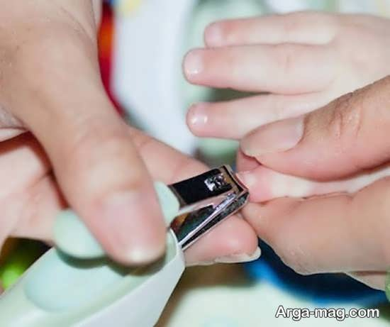 توصیه های مهم در مورد کوتاه کردن ناخن نوزاد