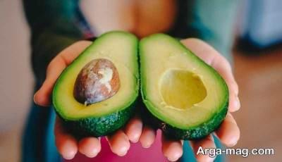 مصرف آووکادو کالری بسیار زیادی را به بدن می رساند.