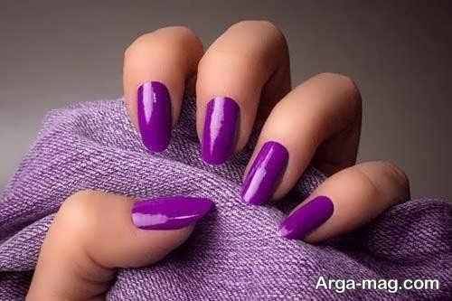 طراحی ناخن برای پوست روشن با لاک بنفش