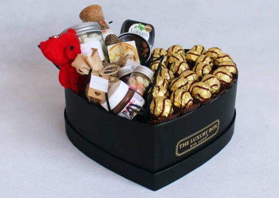 تزیین شکلات برای هدیه دادن در جشن تولد و دیگر مناسبت ها