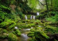 آشنایی با هفت آبشار در مجاورت روستای تیرکان