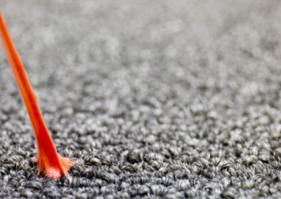 پاک کردن آدامس از روی فرش