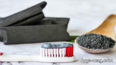 فواید خمیر دندان زغالی و آشنایی با معایب استفاده از آن
