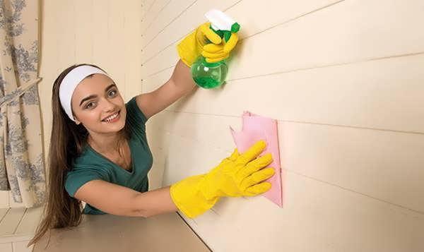 برق انداختن و تمیز کردن دیوار