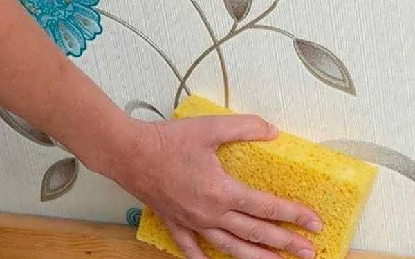 پاک کردن کاغذ دیواری
