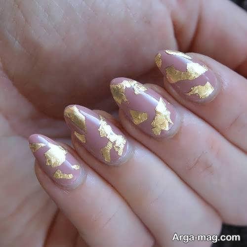 طراحی زیبا ناخن با ورق طلا