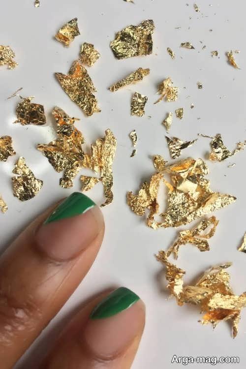 طراحی ناخن به کمک ورق طلا