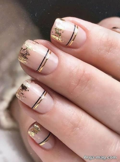 طراحی ناخن زیبا و شیک با ورق طلا
