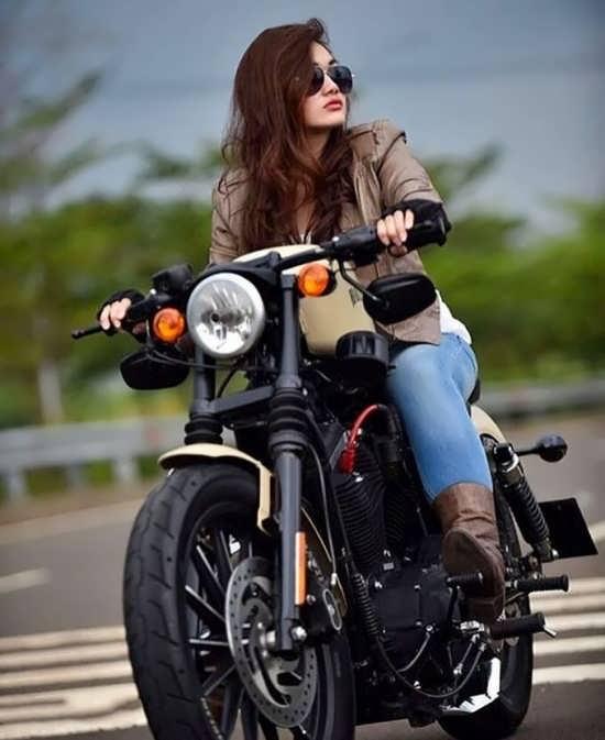 انواع تصاویر دخترونه موتور سواری