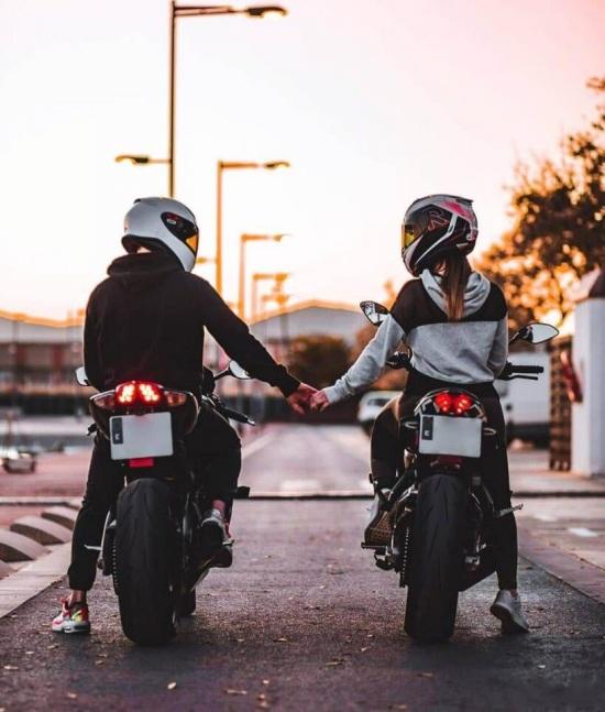 تصویر پروفایل دختر و پسر موتور سواری