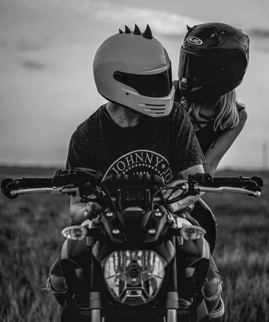 عکس پروفایل عاشقانه و رمانتیک موتور سواری