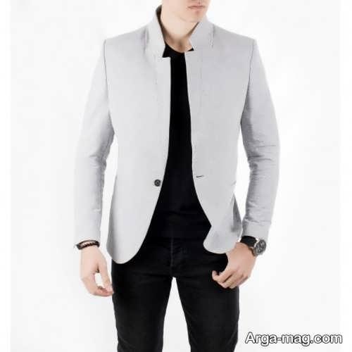 مدل کت تک رنگ روشن با تیشرت مشکی