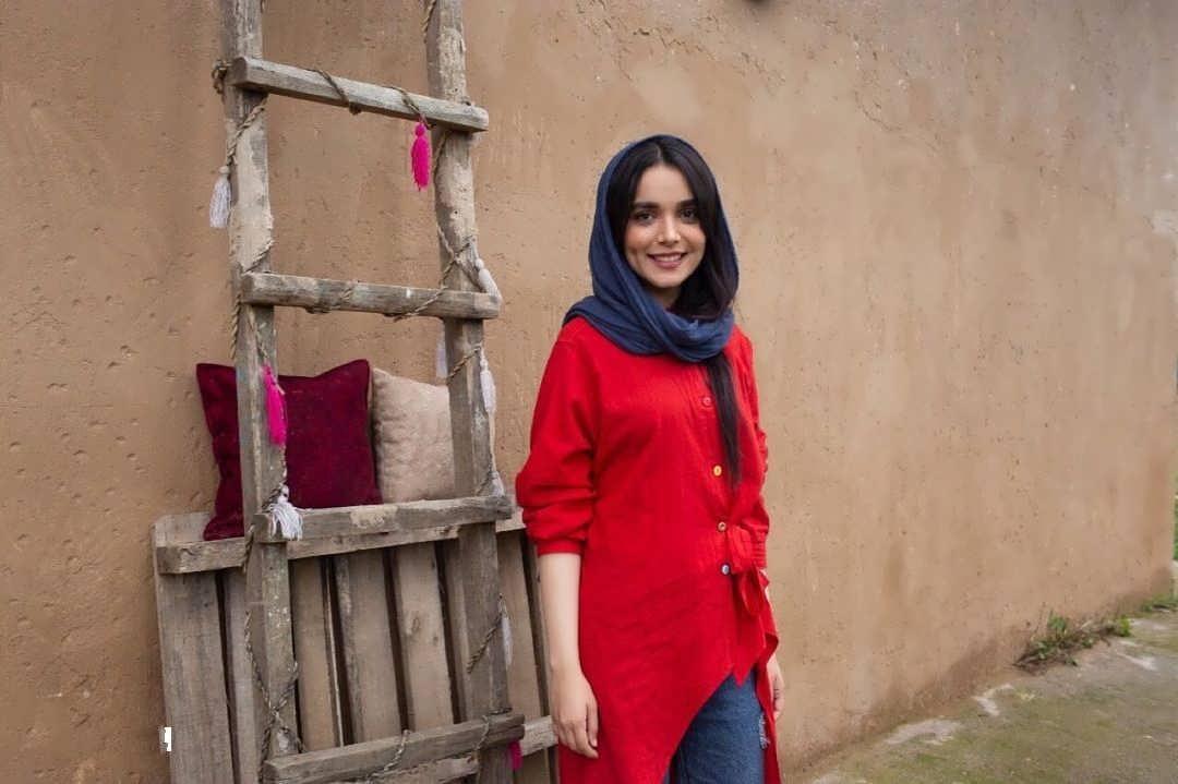 آشنایی با بیوگرافی سارا باقری