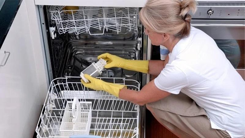 نحوه صحیح جرم گیری ماشین ظرفشویی