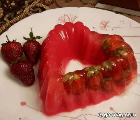 انواع نمونه های زیبای تزیین ژله با توت فرنگی