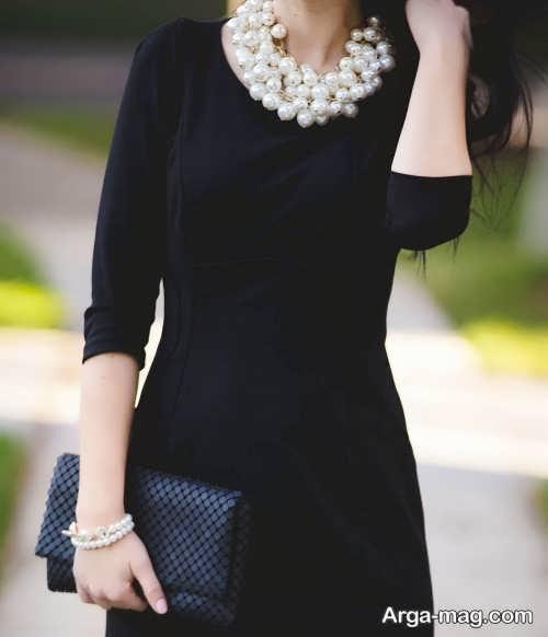 ست کردن لباس مشکی با جواهرات