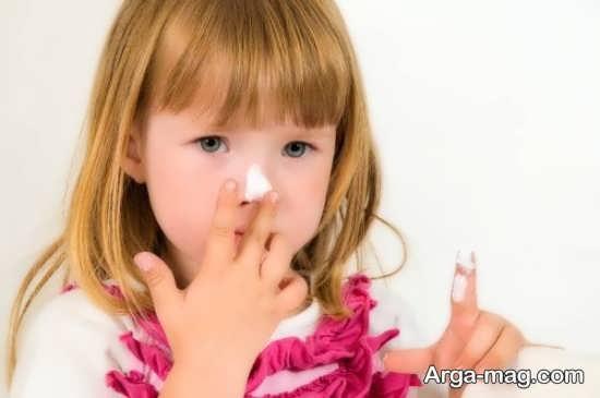 طریقه برخورد والدین با کودکان علاقمند به آرایش کردن