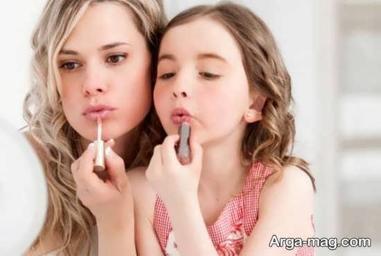 نحوه برخورد والدین با آرایش کردن کودکان