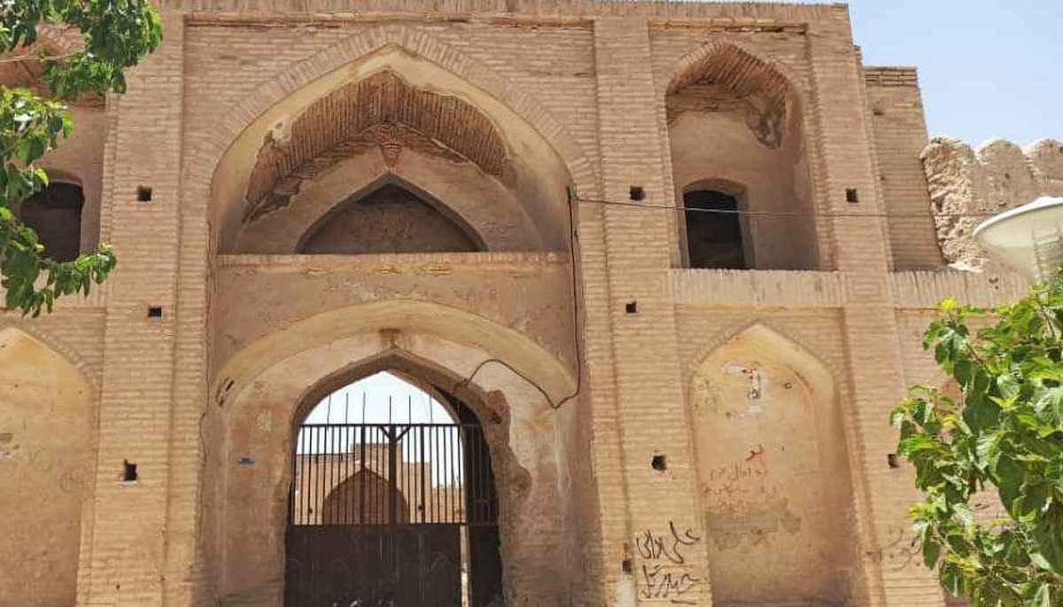 آشنایی با خانه تاریخی سوزنگر