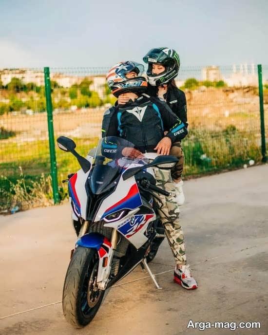 عکس عاشقانه با موتور